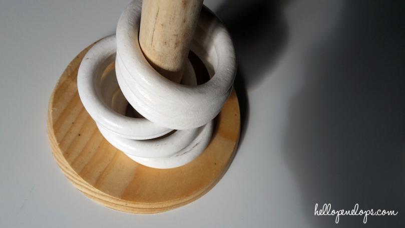 anneaux-rideaux-montessori-motricité-3